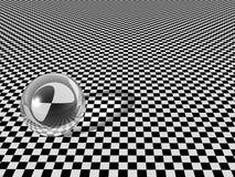 De bal van het glas op schaakbord Royalty-vrije Stock Foto
