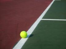 De Bal van het tennis Stock Afbeeldingen