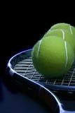 De bal van het tennis in de racket Royalty-vrije Stock Afbeelding