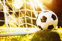 De bal van het voetbal in doel Royalty-vrije Stock Afbeelding