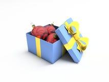 De bal van Kerstmis in doos die over wit wordt geïsoleerdo Royalty-vrije Stock Afbeeldingen
