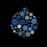 De bal van Kerstmis met sneeuwvlokken Stock Foto