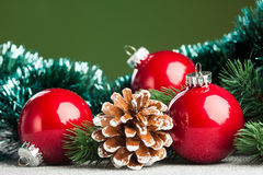 De bal van Kerstmis met spar Royalty-vrije Stock Afbeelding