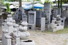 De Balinese markt van het cementbeeldhouwwerk in Ubud Bali royalty-vrije stock foto