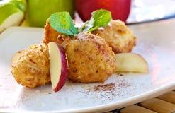 De ballen van de appel met coco Stock Afbeelding