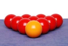 De ballen van de snooker op lijst stock afbeelding