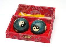 De ballen van de spanning in doos Stock Afbeeldingen