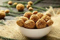 De ballen van de het Sesamzaadrietsuiker van de veganistsnack Royalty-vrije Stock Fotografie
