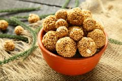 De ballen van de het Sesamzaadrietsuiker van de veganistsnack Stock Afbeelding