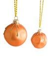De ballen van Kerstmis die op witte achtergrond worden geïsoleerd royalty-vrije stock afbeelding