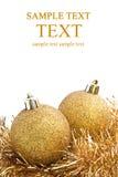 De ballen van Kerstmis die op witte achtergrond worden geïsoleerdn stock foto