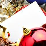 De ballen van Kerstmis en lege kaart Royalty-vrije Stock Foto's