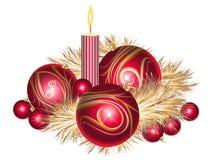 De ballen van Kerstmis met klatergoud en kaars Royalty-vrije Stock Foto's