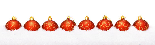 De ballen van Kerstmis met sneeuw Stock Foto's