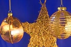 De ballen van Kerstmis met ster Royalty-vrije Stock Afbeeldingen