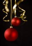 De ballen van Kerstmis op zwarte Royalty-vrije Stock Fotografie