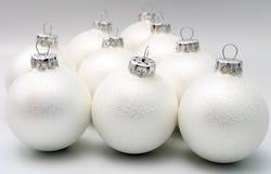 De ballen witte mat van Kerstmis Royalty-vrije Stock Fotografie