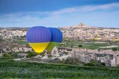 De ballons van de begin hete lucht vroeg in de ochtend bij dageraad Royalty-vrije Stock Afbeeldingen
