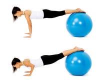 De baloefening van Pilates Stock Afbeeldingen