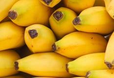 De Bananen van de markt Stock Afbeeldingen