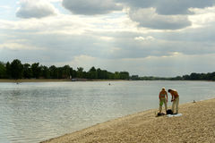 De bank van de rivier Stock Fotografie