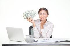 de bankbiljetten van de V.S. van de bedrijfsvrouwengreep ter beschikking Stock Afbeeldingen