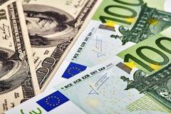 De bankbiljetten van USD EUR stock foto