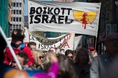 ` De banner van boycotisraël ` bij protestdemonstratie Stock Foto