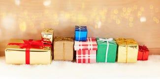 De banner van de Kerstmiskopbal met giften royalty-vrije stock foto's