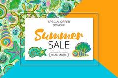 De banners van de de zomerverkoop op heldere naadloze achtergrond met hand die het mariene leven trekken Vector Stock Foto
