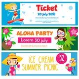 De banners van de de zomerpartij Uitnodigingen, reclame met gelukkige kinderen die strandpret en activiteit hebben royalty-vrije illustratie