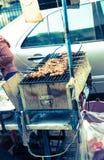 De barbecue van het de straatvoedsel van Bangkok met vleespennen Royalty-vrije Stock Afbeeldingen