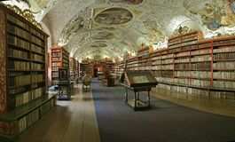 De barokke bibliotheek van Praag Stock Foto