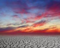 De barstachtergrond van het woestijnlandschap stock foto's
