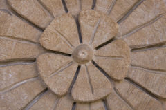 De bas-Hulp van de steen Bloem Stock Foto