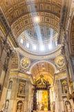 De Basiliek van heilige Peter, de Stad van Vatikaan Stock Foto