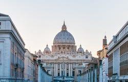 De Basiliek van heilige Peter in de Stad van Vatikaan, Italië Stock Foto's