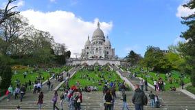 De Basiliek van het Heilige Hart in Montmartre stock video