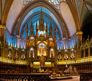 De basiliek van Notre-Dame in Montreal stock afbeeldingen