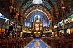 De Basiliek van Notre-Dame in Montreal stock afbeelding