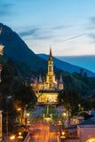 De basiliek van onze Dame in Lourdes, Frankrijk Stock Afbeeldingen