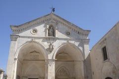 De Basiliek van San Michele Arcangelo Stock Foto