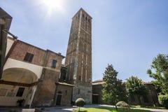 De Basiliek van Sant ` Ambrogio MILAN, ITALIË - Augustus 8, 2016 Stock Afbeeldingen