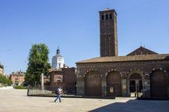 De Basiliek van Sant ` Ambrogio MILAN, ITALIË - Augustus 8, 2016 Stock Foto
