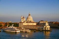 De Basiliek van St Mary van Gezondheid in Venetië royalty-vrije stock foto