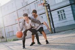De basketbalspelers royalty-vrije stock foto's