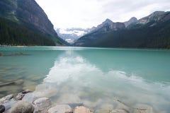 De beaux lacs vous serez amoureuse avec photo stock