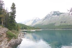 De beaux lacs vous serez amoureuse avec image stock