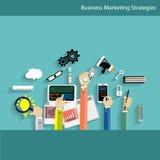 De bedrijfs Communicatie Technologie met mensenhand, digitale tablet, smartphone, documenten en divers bureau heeft op lijst bezw Stock Afbeeldingen