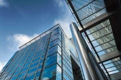 De bedrijfsbouw in Canary Wharf. Stock Afbeeldingen